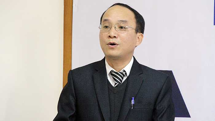 Ông Ngô Công Chính, Giám đốc chương trình học bổng chia sẻ thông tin về Học bổng Tài năng trẻ AMD Group – AMD Group Young Leaders Scholarship (Ảnh: Phạm Thịnh)