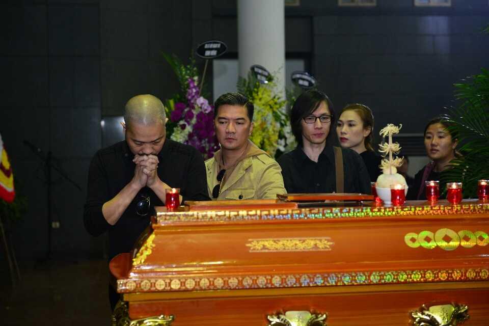 tang lễ nhạc sĩ Lương Minh