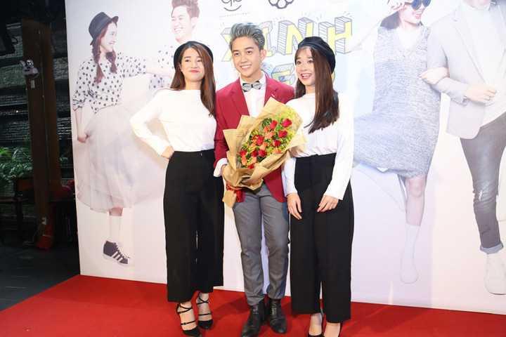 Vừa qua, Nabi Nhã Phương và em gái ruột của cô - nữ diễn viên Phương Anh, cùng nhau diện đồ đôi đến mừng Trương Quốc Bảo ra mắt sản phẩm mới. Hai chị em Nhã Phương khiến fans trầm trồ với ngoại hình giống nhau từng cen-ti-met.