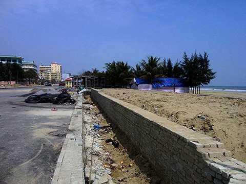 Dự án không gian du lịch ven biển phía Đông đường Hồ Xuân Hương (thị xã Sầm Sơn) đang triển khai khiến nhiều người dân phản đối