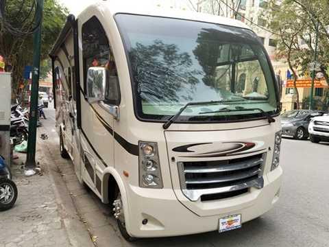 Chiếc Thor Vegas phiên bản 24.1 sản xuất đầu năm 2016 vừa được nhập về Việt Nam theo đơn đặt hàng của một khách hàng ở Hà Nội. Mặc dù có kích thước tương đương với một mẫu xe 24 chỗ ngồi, nhưng với thiết kế chuyên biệt, dòng xe này vẫn chưa được xác định là xe du lịch dưới 9 chỗ ngồi hay xe khách từ 9 chỗ trở lên.