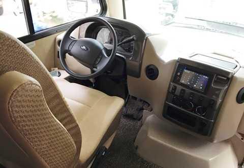 Thor Vegas được phát triển dựa trên nền tảng của Ford E-Series nên toàn bộ khung sườn, động cơ, hệ truyền động đều của Ford. Khối động cơ V10, dung tích 6.8L của xe có thể sản sinh công suất 305 mã lực và mô-men xoắn cực đại 570 Nm