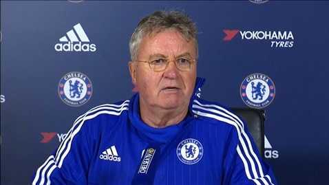 Guus Hiddink cho biết Chelsea rất khó vào top 4