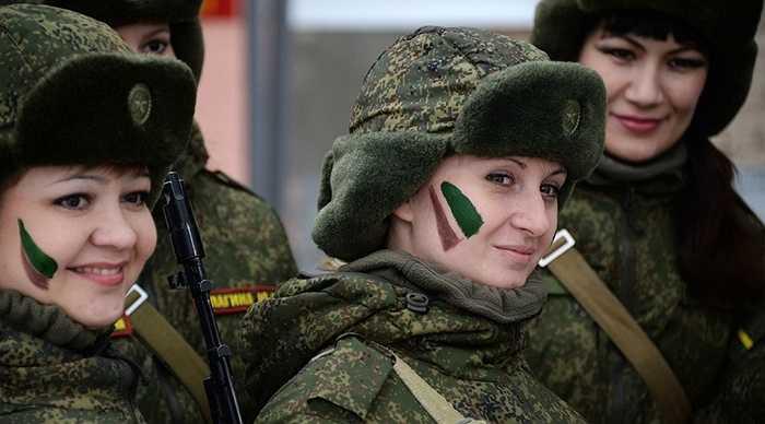 Các nữ binh sỹ tham gia vào cuộc thi
