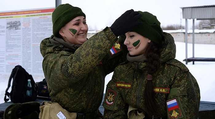 Cuộc thi độc đáo này được tổ chức tại thao trường ở Pereslavl-Zalessky