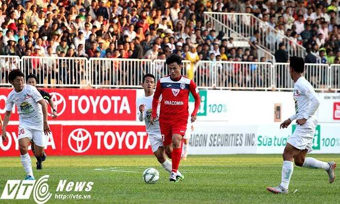 Và anh đã chứng tỏ được khả năng của mình khi quán xuyến tốt khu vực giữa sân cho Than Quảng Ninh, trong chuyến làm khách trên sân của HAGL