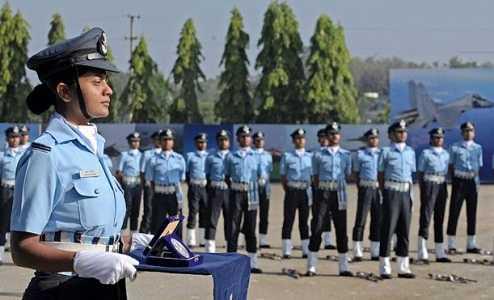 nữ phi công chiến đấu sẽ gia nhập lực lượng không quân Ấn Độ vào ngày 18/6 năm nay.