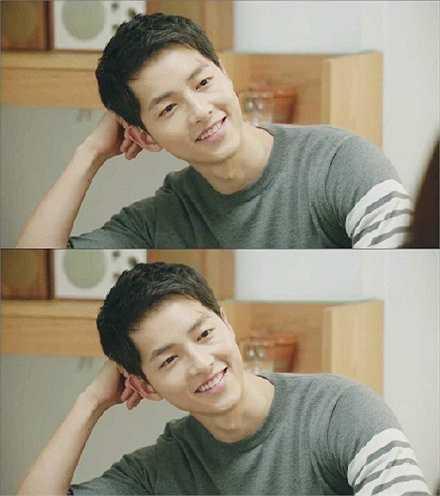 Shi Jin có thói quen ngắm nhìn Mo Yeon làm mọi việc, chứng kiến cô nàng gặp rắc rối và nở nụ cười thích thú. Không cần bằng lời nói hay hành động, chỉ nhìn ánh mắt của Shi Jin là đủ hiểu anh chàng thích nữ bác sĩ đến mức nào.