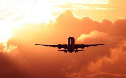 Phi công doạ lái máy bay chở 200 hành khách cùng tự tử vì vợ đòi bỏ.