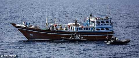 Tàu đánh cá bị nghi cúng cấp vũ khí cho quân nổi dậy Houthi