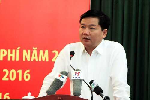 Bí thư Thành ủy TP HCM Đinh La Thăng yêu cầu phải xử lý ngay cán bộ sai phạm, có dư luận xấu để tạo niềm tin cho người dân. Ảnh: N.C