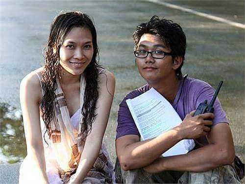 Ali Hùng Cường rất yêu quý Mỹ Tâm, thường dành những lời 'có cánh' cho nữ ca sĩ. Anh và Mỹ Tâm làm việc với nhau trong phim 'Cho một tình yêu' mà 'hoạ mi tóc nâu' đóng vai nữ chính.