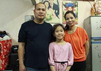 Chị Trang và chồng con.