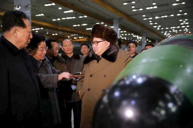 Ông Kim Jong Un gặp gỡ các nhà khoa học hạt nhân của Triều Tiên ngày 9/3