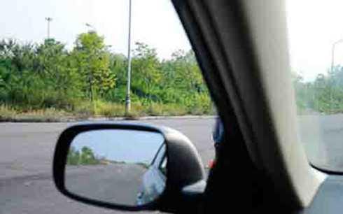 Nếu không biết cách triệt tiêu điểm mù, lái xe rất dễ bị va quệt và gay tai nạn đáng tiêc