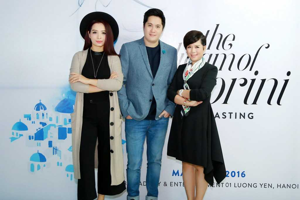 giám khảo trong buổi casting là cựu người mẫu Thuý Hằng (Giám đốc Nghệ thuật của show thời trang), biên tập viên VTV6 - stylist Tôn Hiếu Anh và bà Tô Thị Dung.