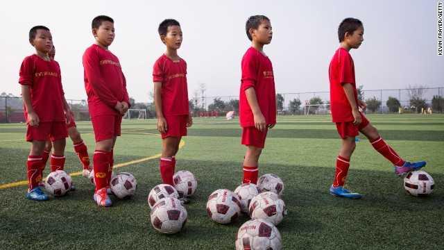 Bóng đá Trung Quốc phát triển đào tạo trẻ