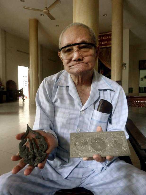 Những hiện vật được tìm thấy trong hơn 40 trên núi Tàu
