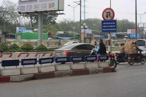 Còn tạo cho trẻ ý thức không tuân thủ luật giao thông