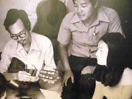 Thanh Tùng thời trẻ, bên nhạc sĩ Trịnh Công Sơn