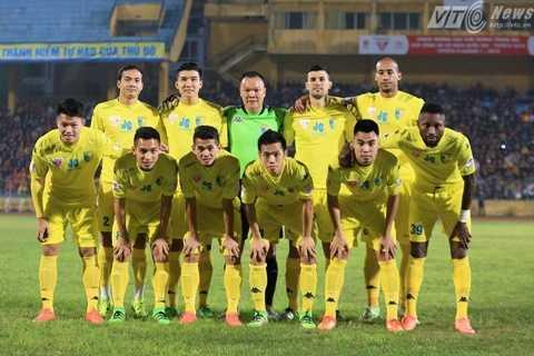11 cầu thủ đá chính của Hà Nội T&T (Ảnh: Tùng Đinh)