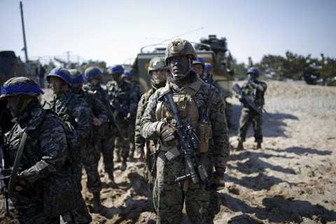 Khoảng 12.800 binh lính Mỹ và 200.000 binh lính Hàn Quốc, bao gồm cả lính dự bị, sẽ tham gia cuộc tập trân Key Resolve 11 ngày. Key Resolve tập trung vào các tình huống giả định trên máy tính. Foal Eagle tập trung vào tập luyện trên chiến trường sẽ kéo dài đến 30/4.