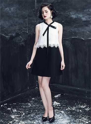 Đi cùng đó, phong cách thời trang đẳng cấp cũng góp phần tôn lên nhan sắc hoàn hảo của Tâm Tít.