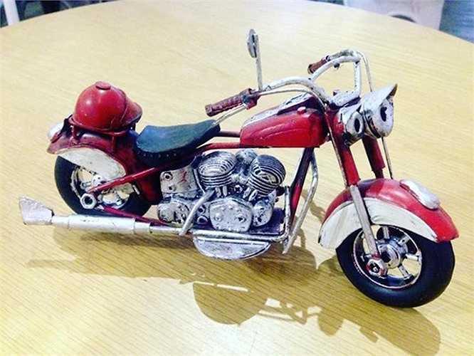 Khi tạo ra chiếc xe mô hình này, có phải người thợ Việt đã lấy cảm hứng từ chiếc Harley-Davidson Fatboy?