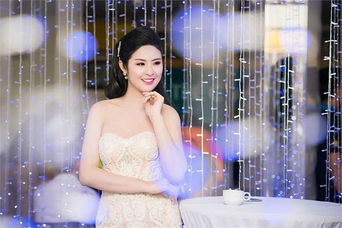 Ngọc Hân vừa cho ra mắt bst thời trang Thu Đông và bst áo dài gây được nhiều sự chú ý và xúc động cho khán giả.