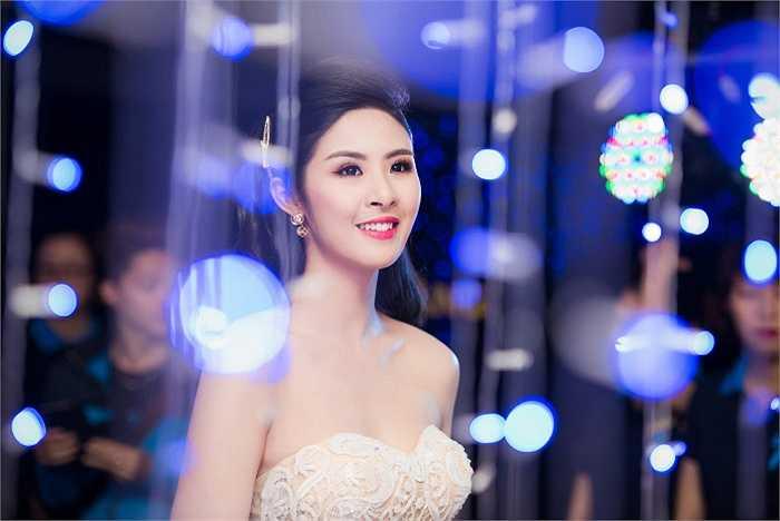 Ngọc Hân chia sẻ trong thời gian tới sẽ tiếp tục tập trung vào công việc kinh doanh thời trang mà vẫn chưa có kế hoạch cho việc lập gia đình.
