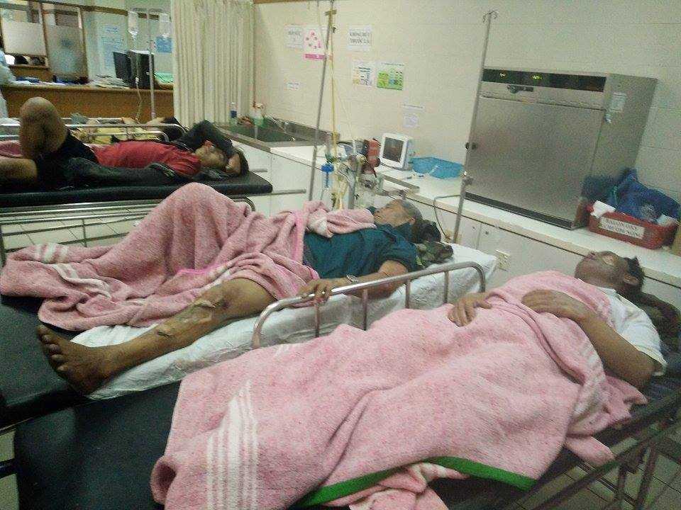 Các ngư dân bị nạn đang được điều trị tích cực tại Bệnh viện Trung ương Huế.