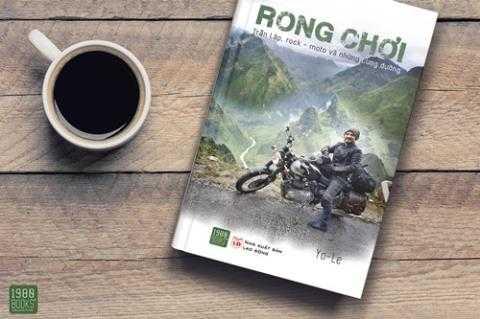 Bìa tập sách Rong chơi do Yo Le chấp bút