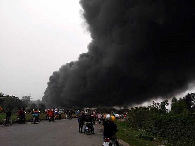 Đám cháy tại nhà máy Viglacera Thăng Long (Vĩnh Phúc) là do chập điện.