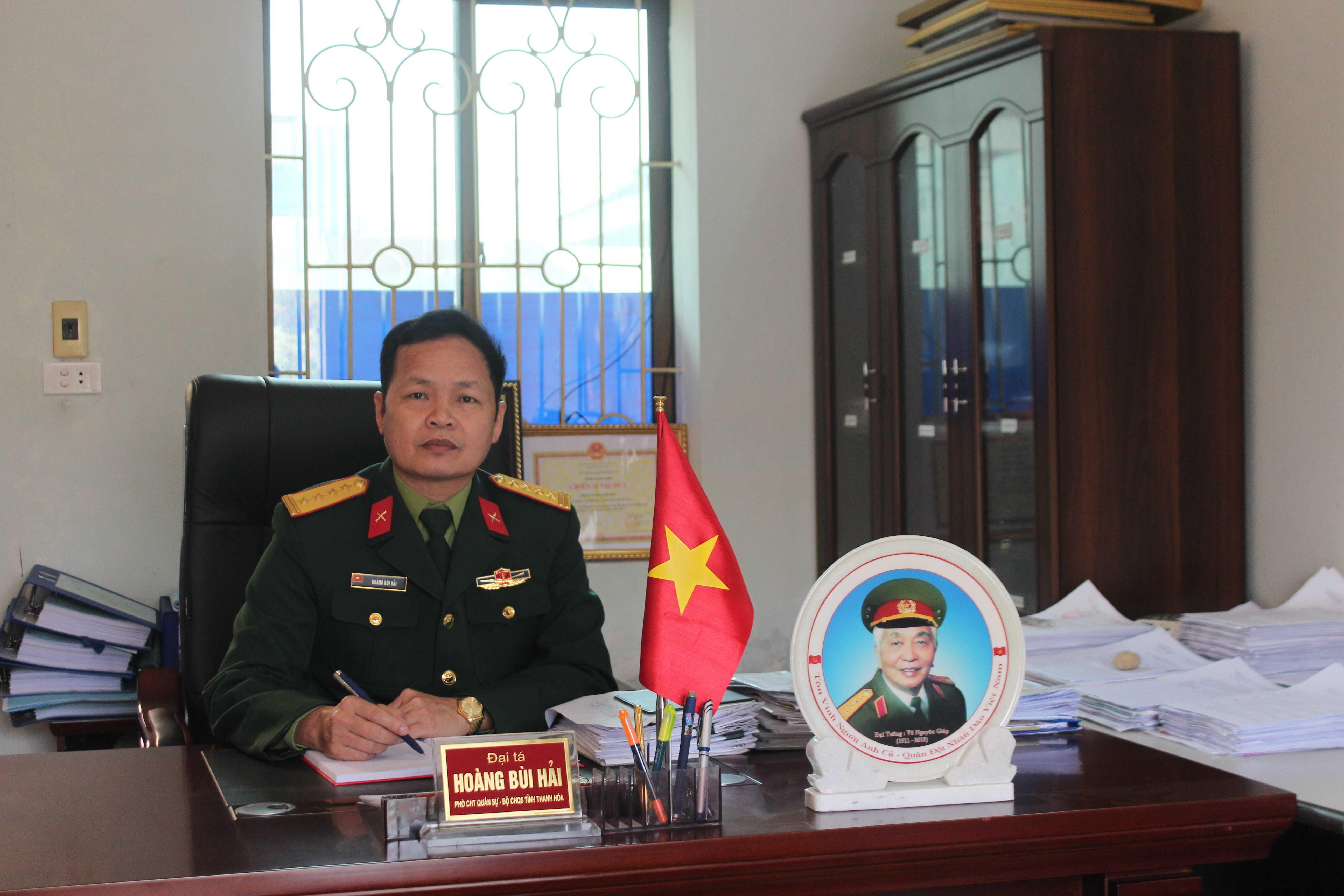 Đại tá Hoàng Bùi Hải - Phó chỉ huy trưởng Bộ Chỉ huy Quân sự tỉnh Thanh Hóa tìm ra người đồng đội cùng ông bị thương và thoát chết ở Gạc Ma sau bài phóng sự của VTC News.