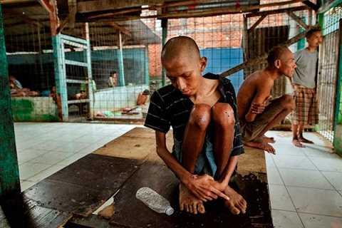 Bệnh nhân thường xuyên phải nhịn đói vì tình trạng thiếu lương thực trầm trọng kéo dài