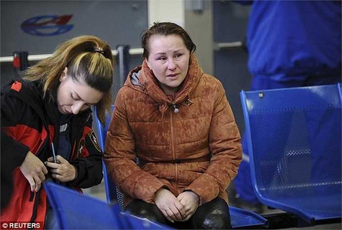 Thân nhân hành khách đau khổ vì tai nạn