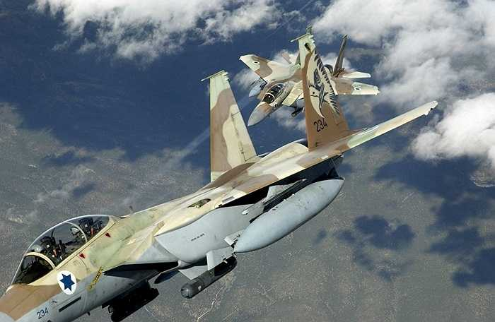 Rằn ri trên chiến cơ F-15 của Israel