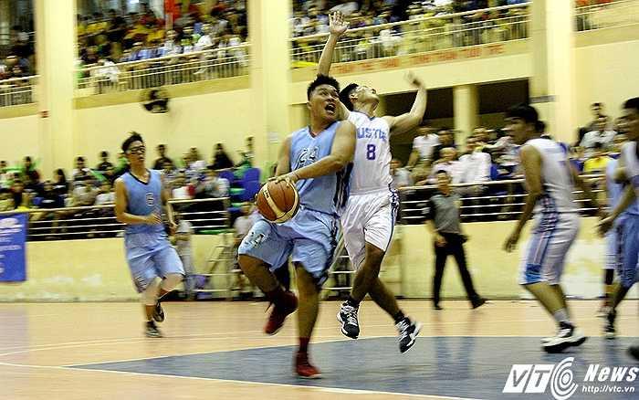 Chất lượng chuyên môn của giải đấu được đánh giá cao khi quy tụ được nhiều tài năng bóng rổ trong địa bàn TP.HCM (ảnh: Hoàng Tùng)