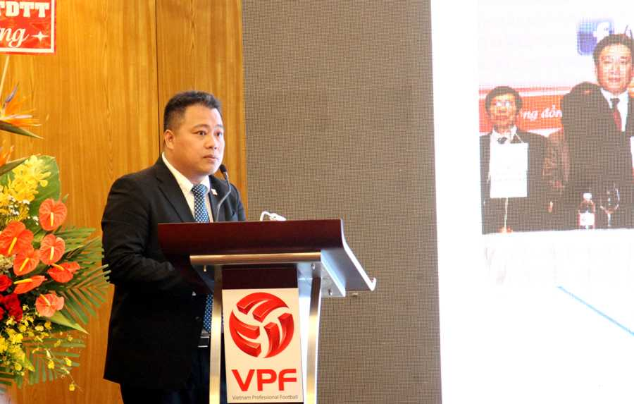 Đại diện VPF chia sẻ về kế hoạch phòng chống doping, chất gây nghiện tại V-League 2016 (ảnh: Hoàng Tùng)