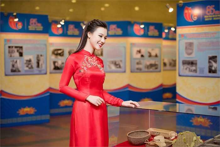 Trong năm 2016, Hoàng Oanh sẽ tiếp tục phát triển công việc MC. Đặc biệt, cô dự định thực hiện một dự án mới về du lịch, văn hoá của Việt Nam. Đây là kế hoạch lớn mà Hoàng Oanh từng ấp ủ và cố gắng hoàn thành trong năm nay bên cạnh các hoạt động nghệ thuật.