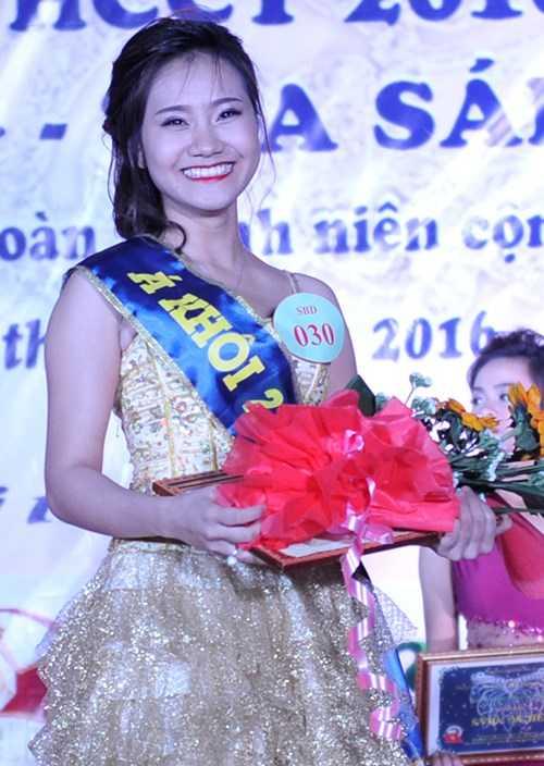 Á khôi 2 Phạm Quỳnh Hương (khoa Ngoại ngữ)