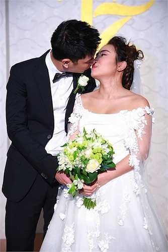 Chồng cô là là doanh nhân trẻ Lê Thành.