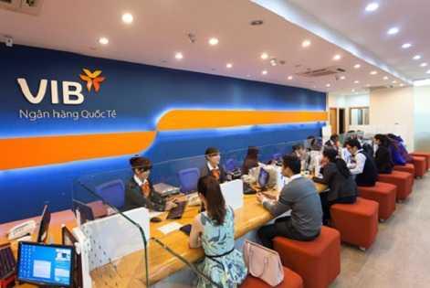 Ngân hàng VIB bị khách hàng tố vì thẻ ATM ở Phú Thọ nhưng bị rút mất tiền ở Sài Gón.