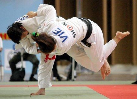 Hinh anh 250 vo si tranh tai tai giai Judo danh cho sinh vien, hoc sinh