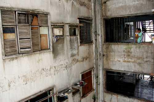 Chung cư 727 được cho là hoang tàn nhất Sài Gòn. Ảnh:An Nhơn