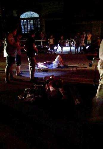 Những người bị thương ngay sau đó được đưa đi cấp cứu tại Bệnh viện Đa khoa Quảng Ninh. Ảnh: CTV