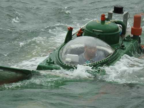 Tàu ngầm Hoàng Sa thử nghiệm thành công trên biển ngày 3/7. Ảnh: Giang Chinh.