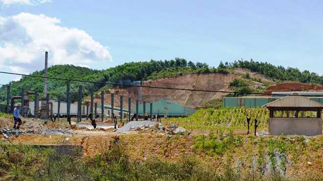 Cận cảnh nhà máy xử lý rác thải cho Formosa khiến dân phải bỏ đi - ảnh 1