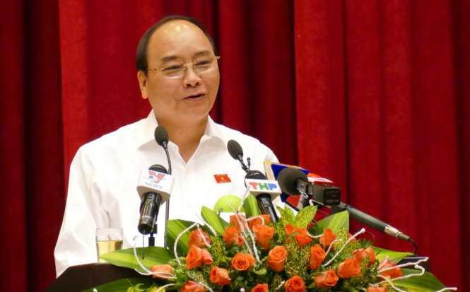Thủ tướng Nguyễn Xuân Phúc phát biểu trước đông đảo cử tri TP Hải Phòng - Ảnh: L.K