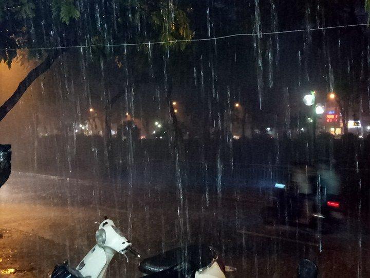 mưa lớn tại thủ đô hà nội